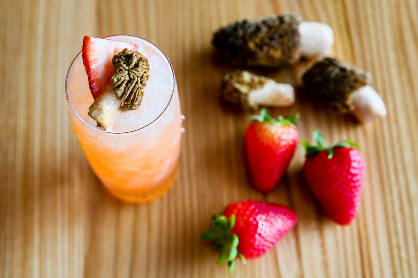 How to: Make a Strawberry Morel Cocktail